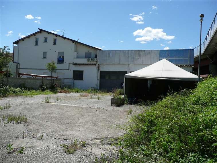 Capannone industriale, Peretola, Brozzi, Firenze, da ristrutturare