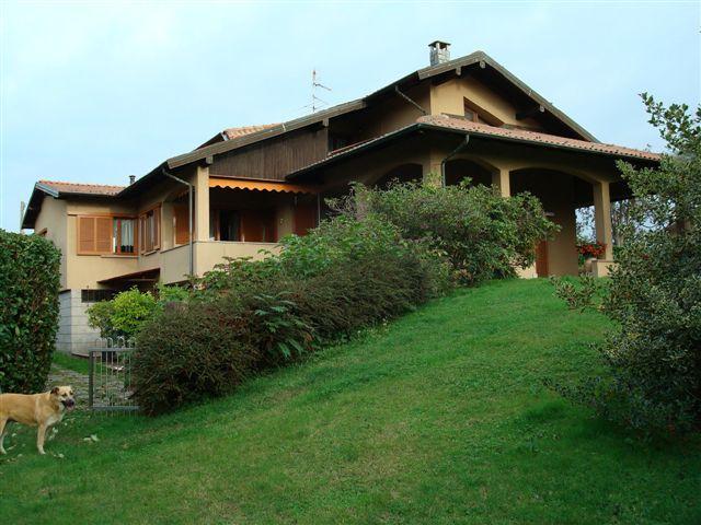 Villa, Gattico, in nuova costruzione