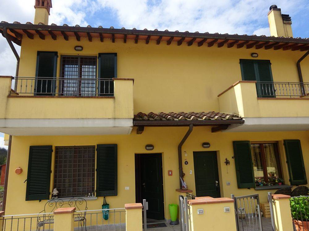TAGLIAFERRO, SCARPERIA E SAN PIERO, terraced house for sale of 120 Sq. mt., Almost new, Heating Individual heating system, Energetic class: F, placed