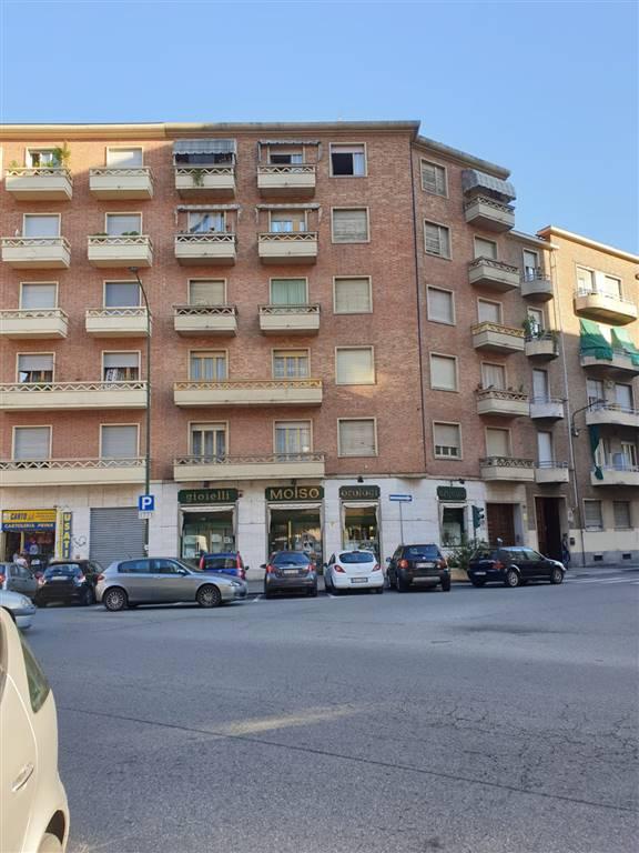 Trilocale in Via Monte Rosa 78, Barriera Milano, Torino