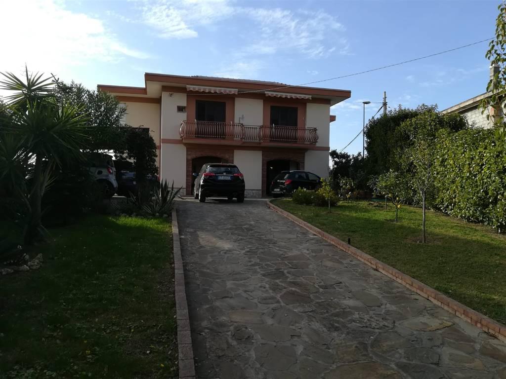 Villa in vendita a Castellabate, 6 locali, prezzo € 450.000   CambioCasa.it