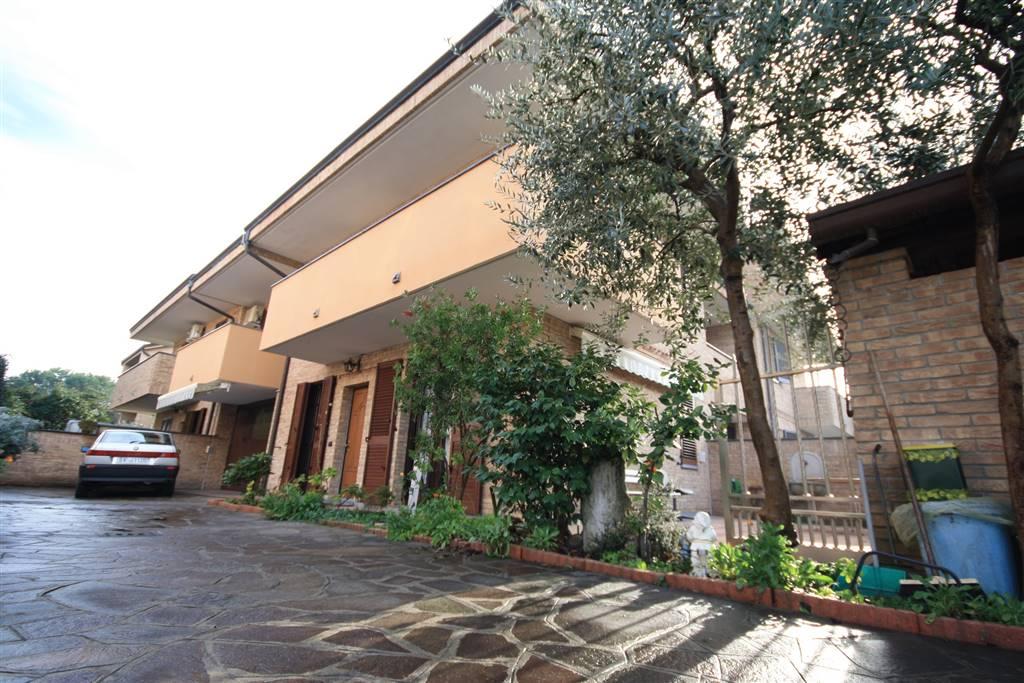 Villa a PADERNO DUGNANO