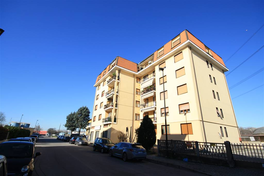 Appartamento a LIMBIATE