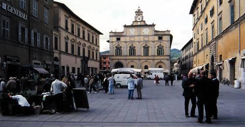 Ristorante / Pizzeria / Trattoria in affitto a Città di Castello, 4 locali, zona Località: CENTRO STORICO, prezzo € 1.000   CambioCasa.it