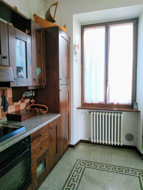 Appartamento in vendita a Città di Castello, 5 locali, zona Località: GORGONE, prezzo € 120.000 | CambioCasa.it