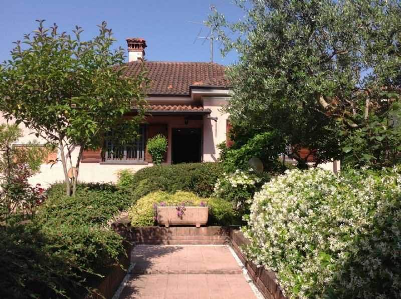Villa in Via Roma, Bovisio-masciago