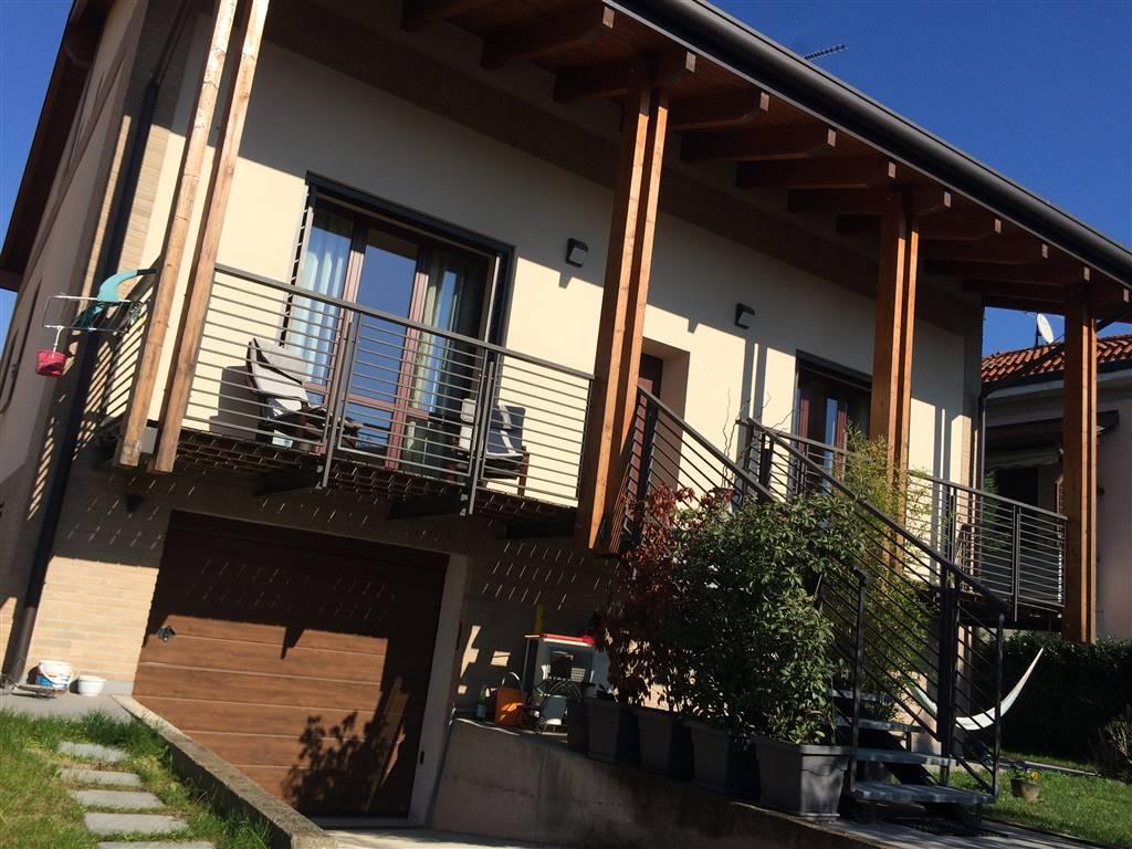 Villa in Via Roma, Lazzate