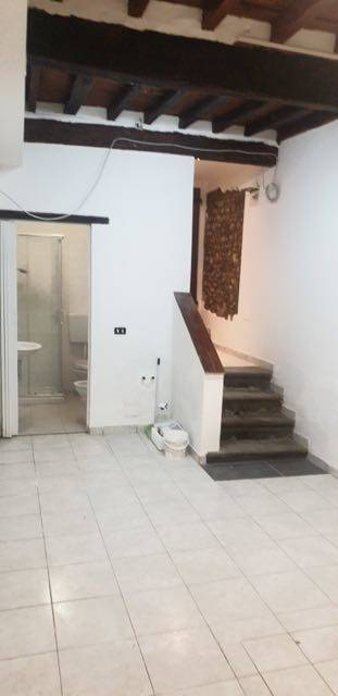 BORGO OGNISSANTI, FIRENZE, Warehouse for rent of 20 Sq. mt., Energetic class: G, composed by: 1 Room, 1 Bathroom, Price: € 350