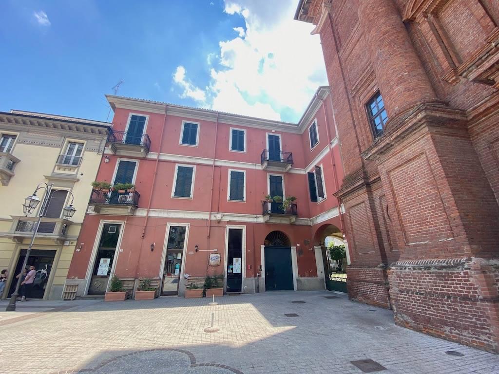 Appartamento in vendita a Alessandria, 4 locali, zona o Rovereto Pista, prezzo € 150.000 | PortaleAgenzieImmobiliari.it