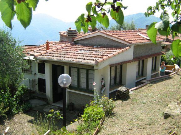 Soluzione Indipendente in vendita a Pigna, 6 locali, prezzo € 100.000 | PortaleAgenzieImmobiliari.it