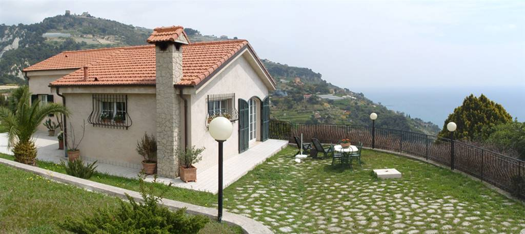 Villa in vendita a Ventimiglia, 6 locali, zona Zona: Ville, prezzo € 650.000 | CambioCasa.it