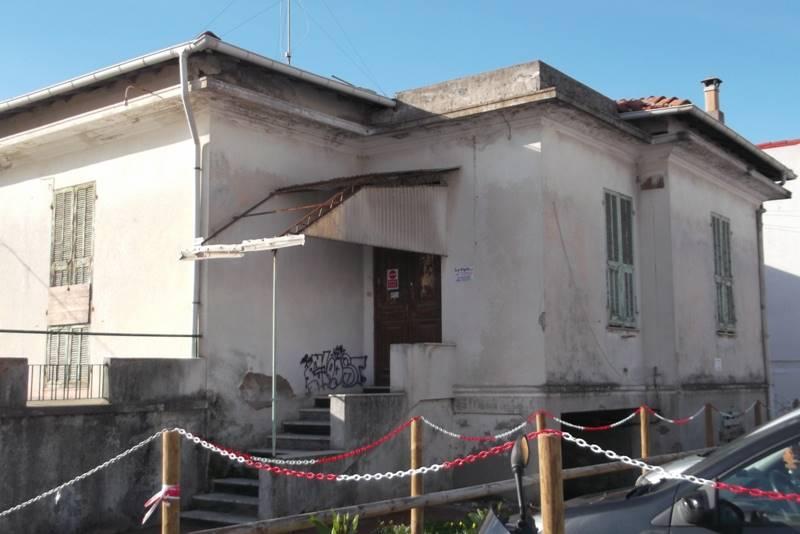Soluzione Indipendente in vendita a Vallecrosia, 7 locali, prezzo € 265.000 | CambioCasa.it