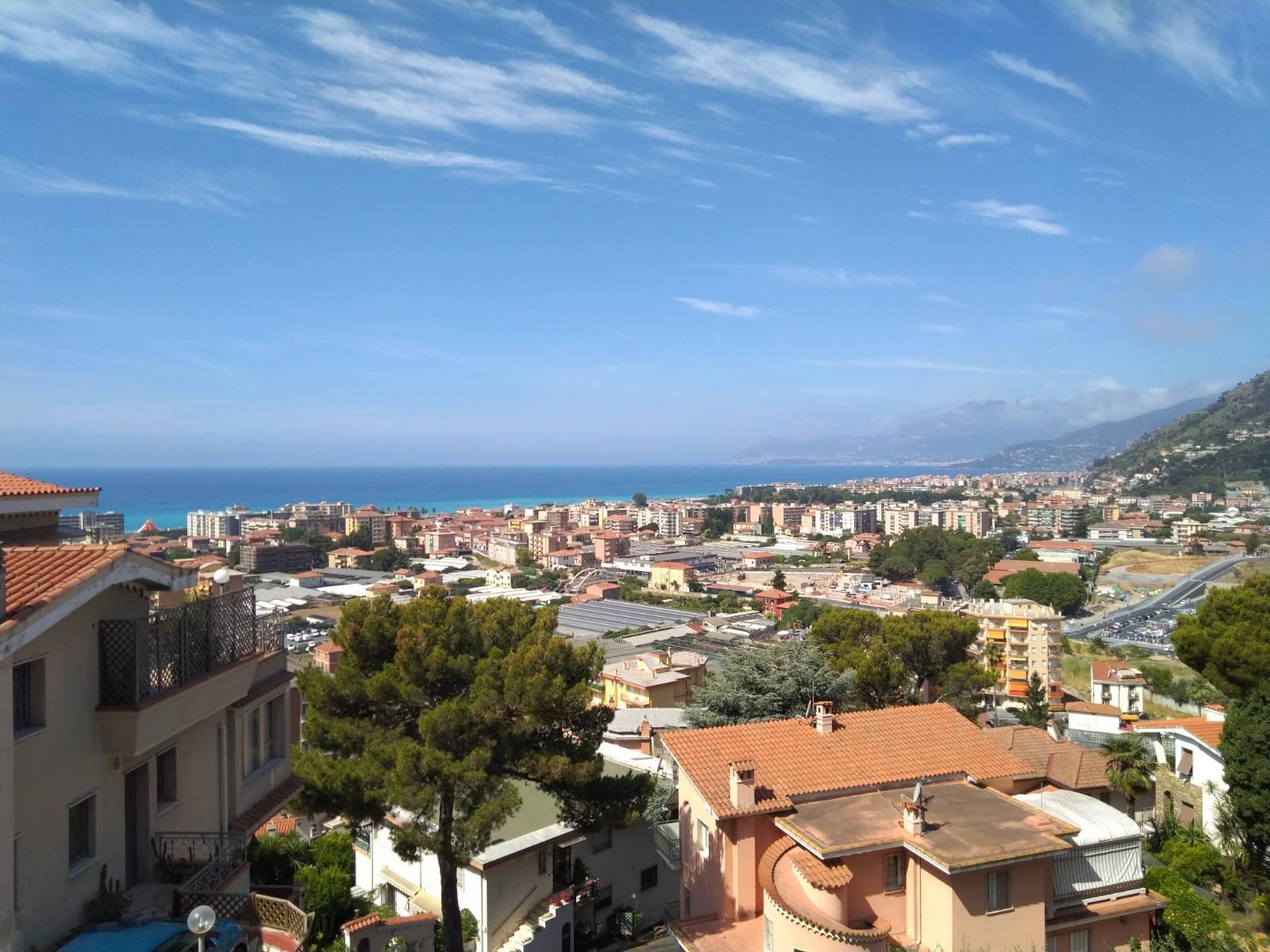 Appartamento in vendita a Vallecrosia, 3 locali, prezzo € 270.000 | PortaleAgenzieImmobiliari.it