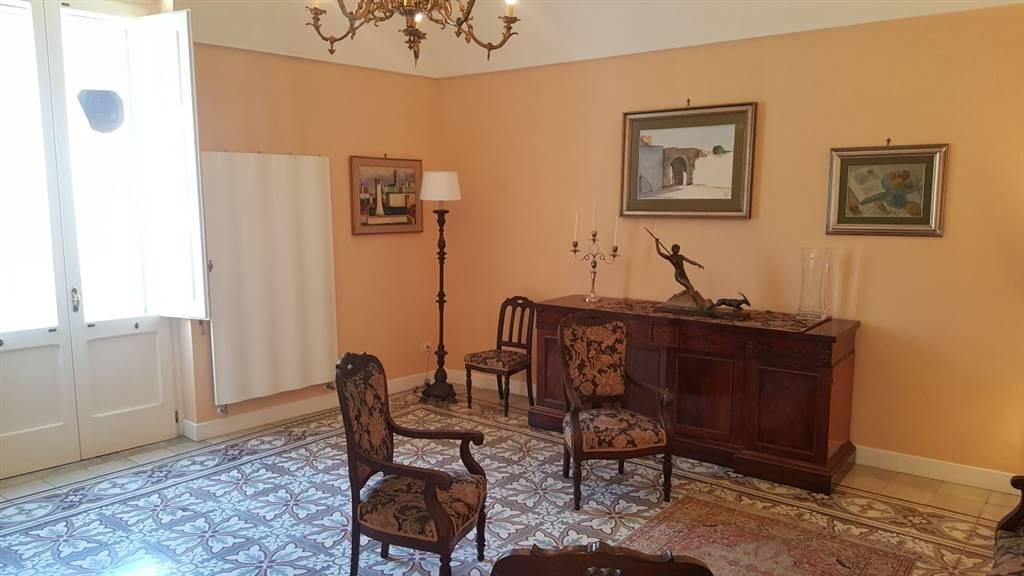 Appartamento in Via Euippa, Centro Storico, Lecce