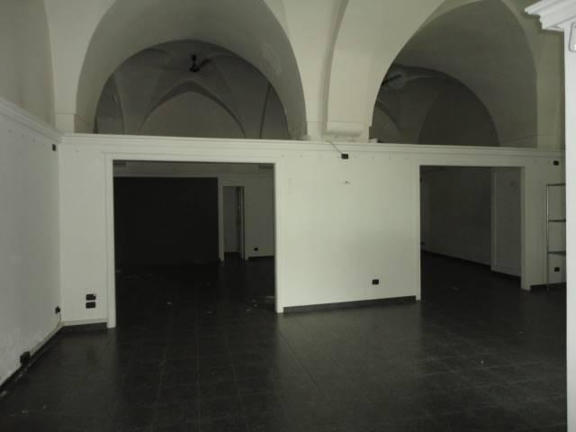 Locale commerciale in Via Xxv Luglio  73100, Mazzini, Lecce