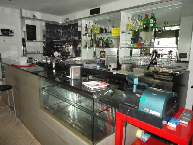 MAZZINI, LECCE, café for rent of 65 Sq. mt., Energetic class: E, Epi: 640,428 kwh/m3 year, placed at Ground on 1, composed by: 2 Rooms, 1 Bathroom,