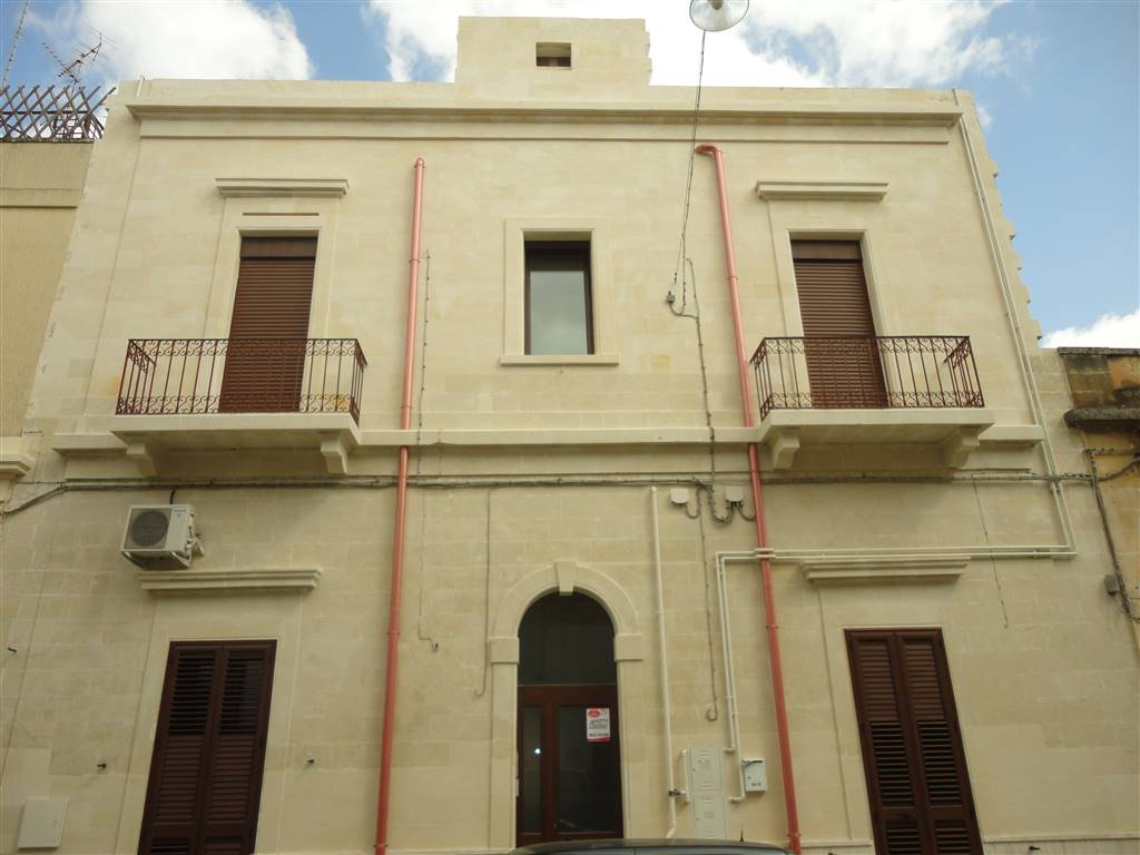 LEUCA, LECCE, Apartment for rent of 80 Sq. mt., Good condition, Heating Individual heating system, Energetic class: G, Epi: 236,6 kwh/m2 year, placed