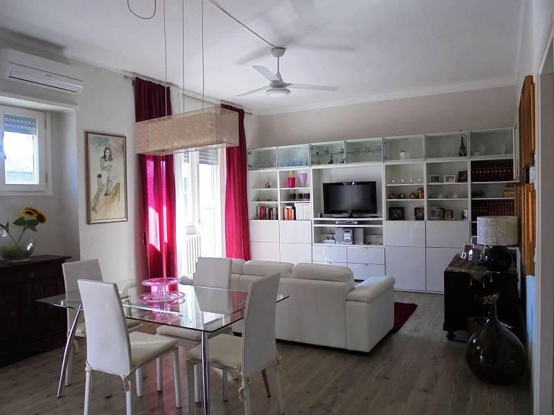 Trilocale in Via D. Fontana 9, Santa Rosa, Lecce