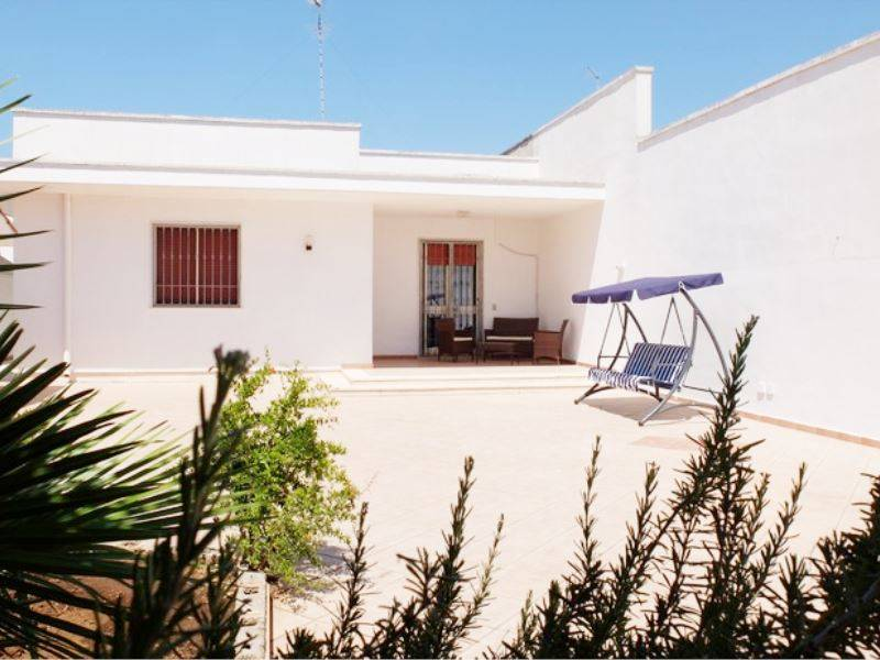 TORRE LAPILLO, PORTO CESAREO, Villa for sale of 115 Sq. mt., Excellent Condition, Energetic class: G, Epi: 562,291 kwh/m2 year, placed at Ground,