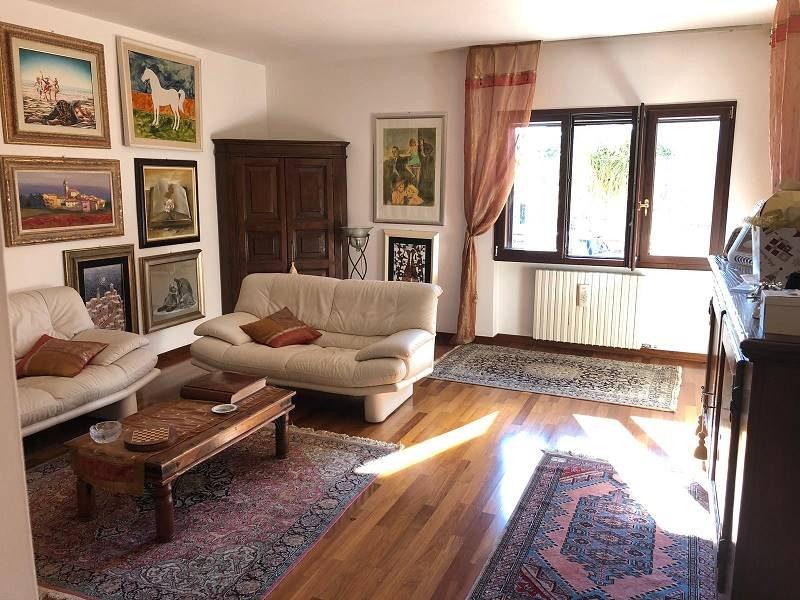 SALESIANI, LECCE, Villa for sale of 190 Sq. mt., Excellent Condition, Heating Individual heating system, Energetic class: D, Epi: 86,227 kwh/m2 year,