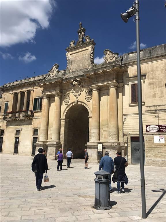 Quadrilocale in Viale Lo Re, Centro Storico, Lecce