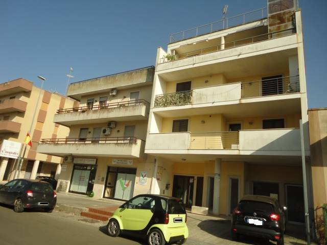 SALESIANI, LECCE, Office for rent of 40 Sq. mt., Good condition, Heating Individual heating system, Energetic class: E, Epi: 32 kwh/m3 year, placed