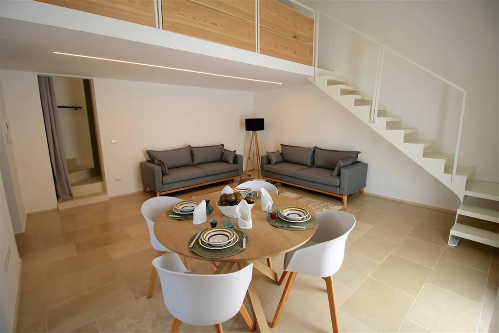 MERINE, LIZZANELLO, Unabhängige Wohnung zu verkaufen von 70 Qm, Renoviert, Heizung Unabhaengig, Energie-klasse: G, am boden 1°, zusammengestellt von: