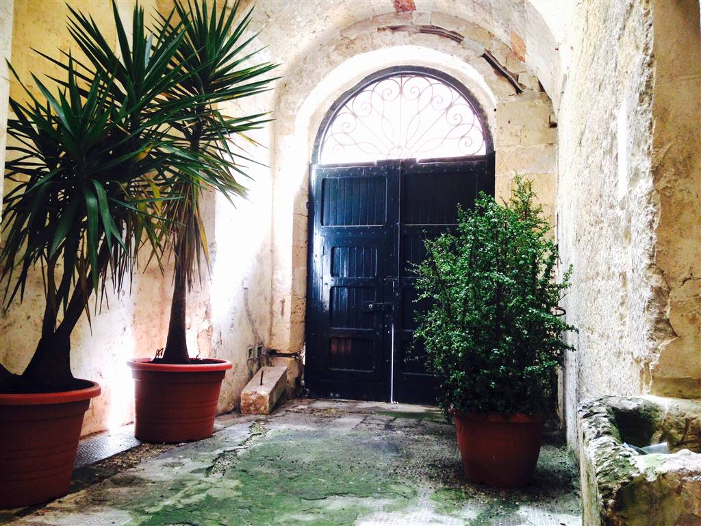 Bilocale in Via Delle Bombarde 12, Centro Storico, Lecce