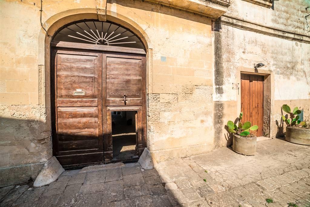 MAGLIANO, CARMIANO, Einzelhaus zu verkaufen von 280 Qm, Renoviert, Energie-klasse: F, Epi: 219,826 kwh/m2 jahr, am boden 1°, zusammengestellt von: 6