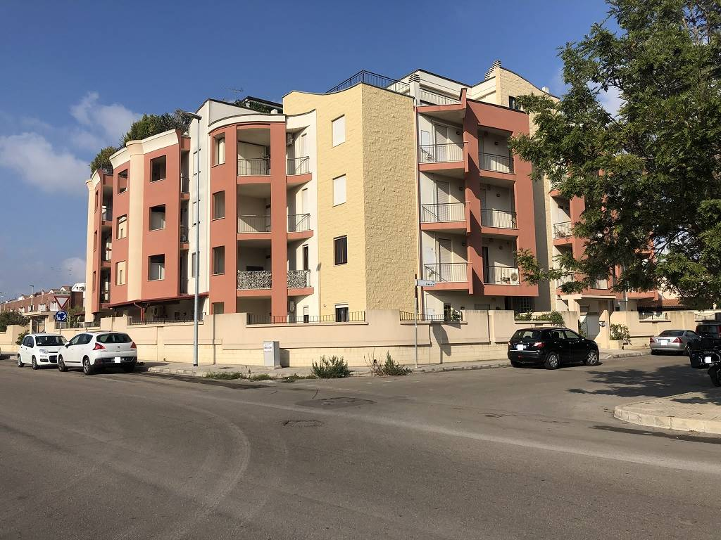 EST, LECCE, Apartment for sale of 115 Sq. mt., Excellent Condition, Heating Individual heating system, Energetic class: D, Epi: 155,6 kwh/m2 year,