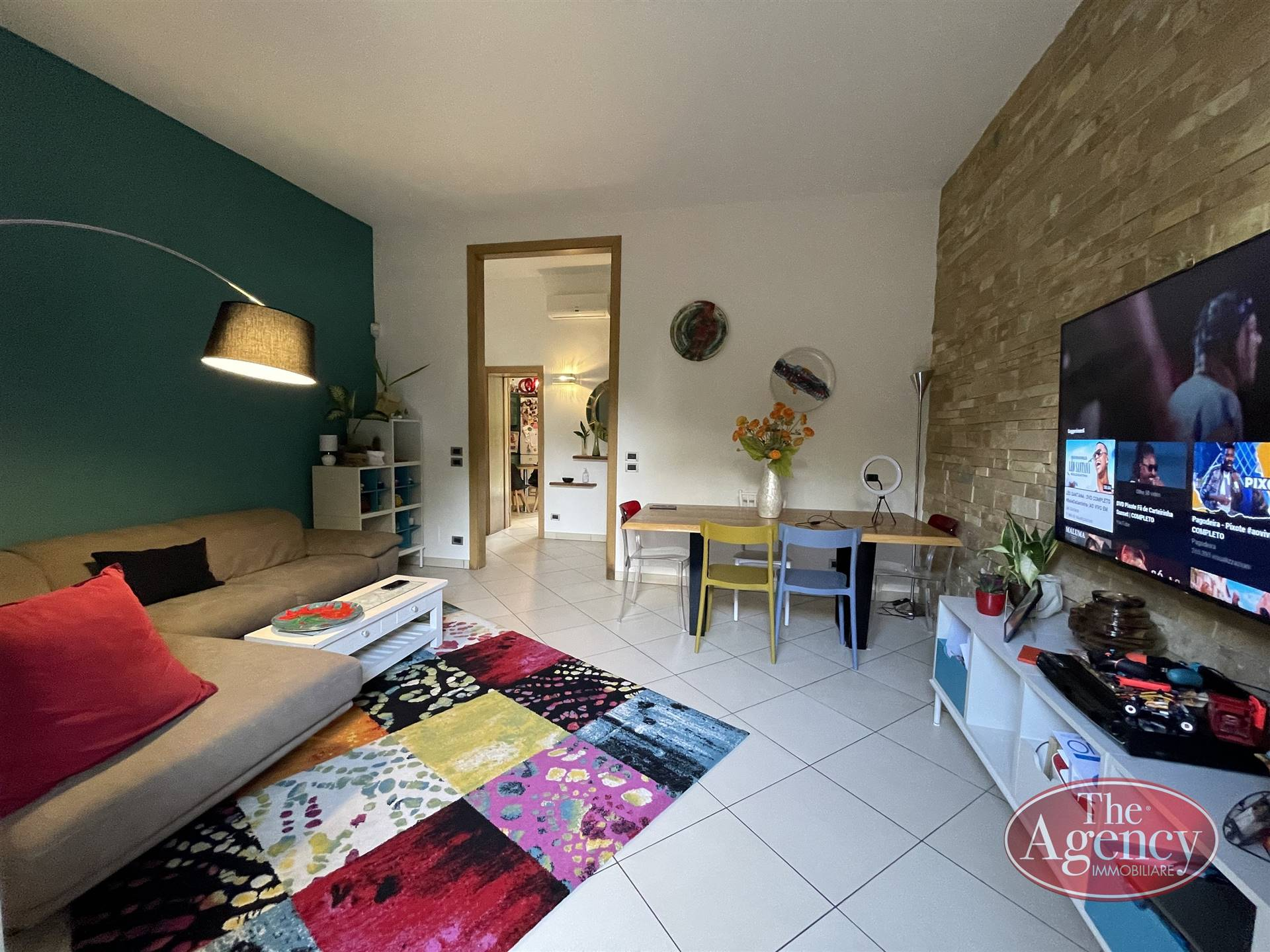 P. ARIOSTO, LECCE, Wohnung zu verkaufen von 82 Qm, Renoviert, Heizung Unabhaengig, Energie-klasse: D, Epi: 127,58 kwh/m2 jahr, am boden Angehoben,