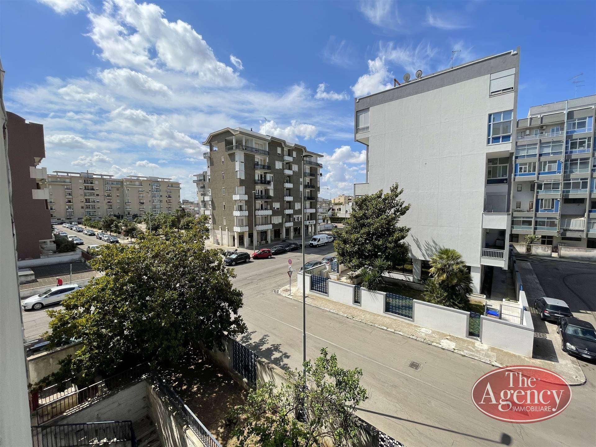 SALESIANI, LECCE, Wohnung zu verkaufen von 135 Qm, Bewohnbar, Heizung Unabhaengig, Energie-klasse: G, Epi: 30,542 kwh/m2 jahr, am boden 2°,