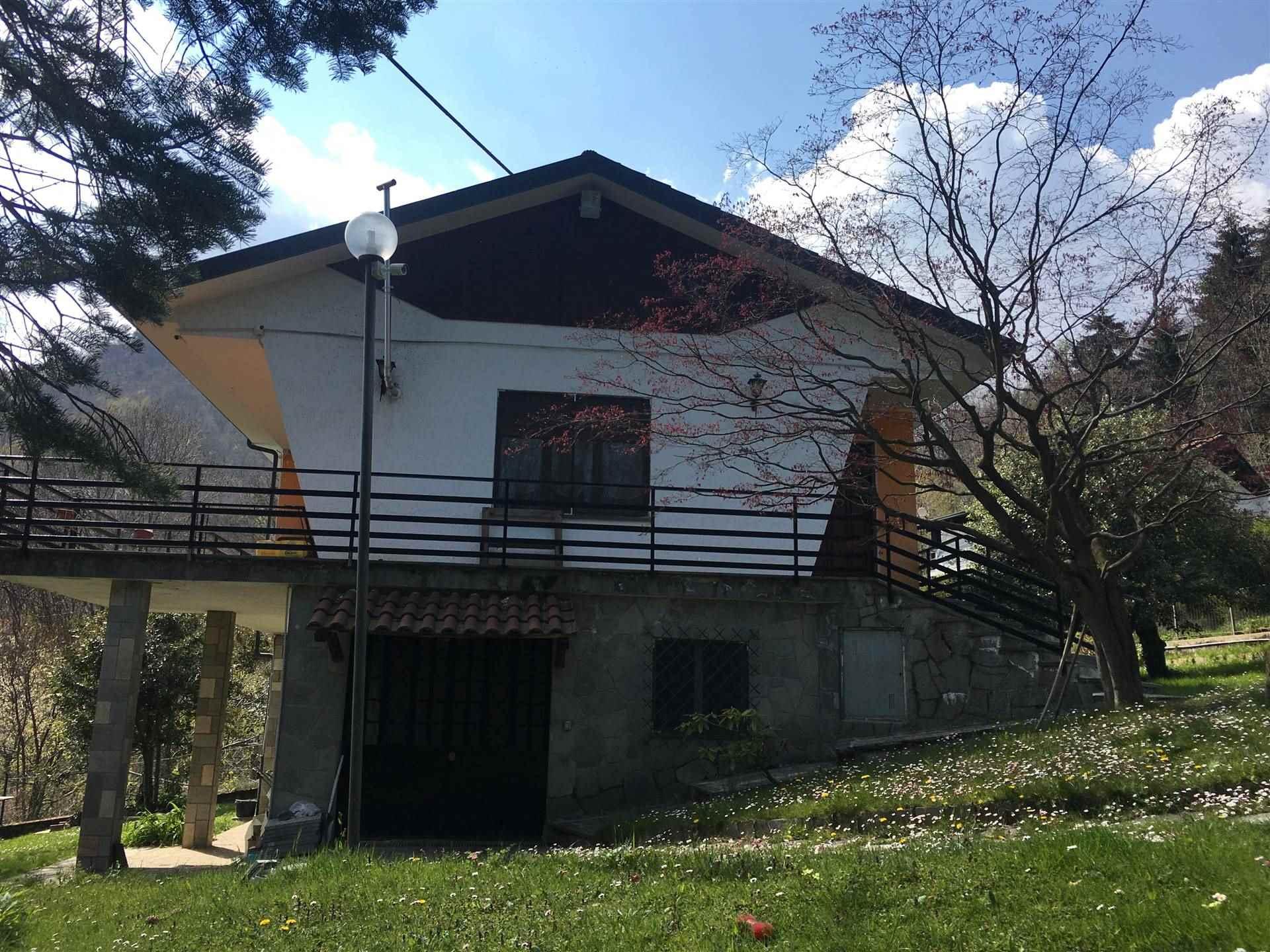 Villa a GIAVENO 180 Mq | 7 Vani | Giardino 1400 Mq