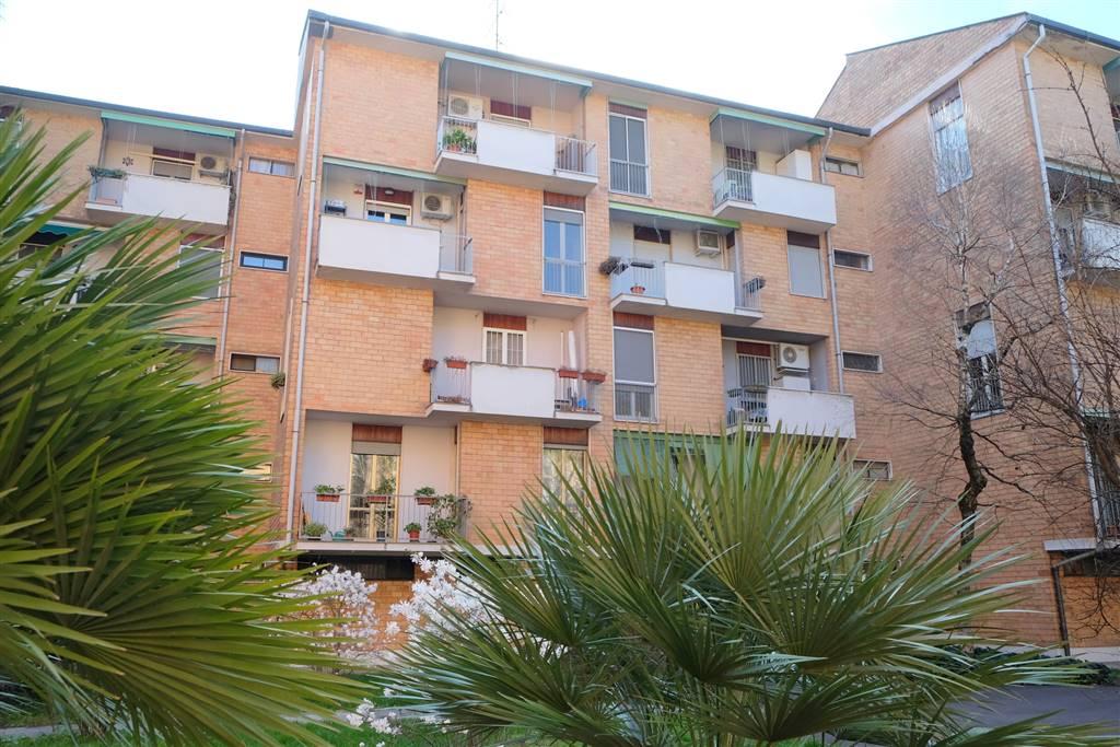 Appartamento in vendita a Milano, 3 locali, zona Zona: 16 . Bonola, Molino Dorino, Lampugnano, Trenno, Gallaratese, prezzo € 238.000 | CambioCasa.it