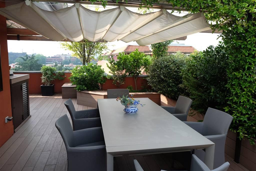 Attico / Mansarda in vendita a Segrate, 6 locali, zona Zona: Milano Due, prezzo € 825.000 | CambioCasa.it