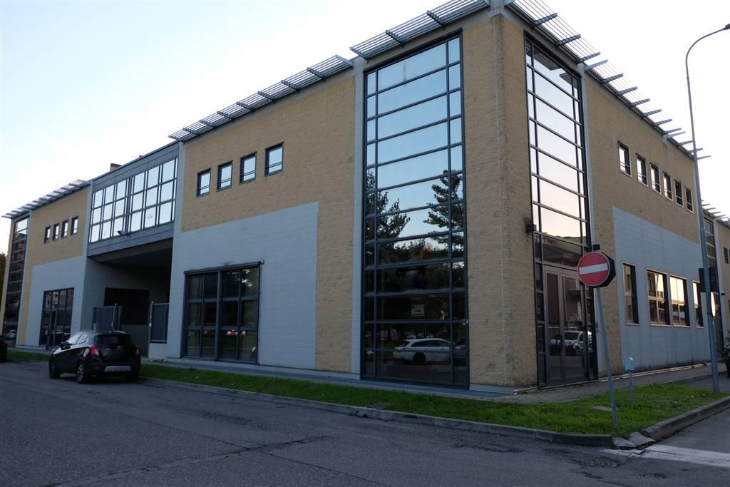 Laboratorio in affitto a Bresso, 6 locali, prezzo € 3.300 | PortaleAgenzieImmobiliari.it