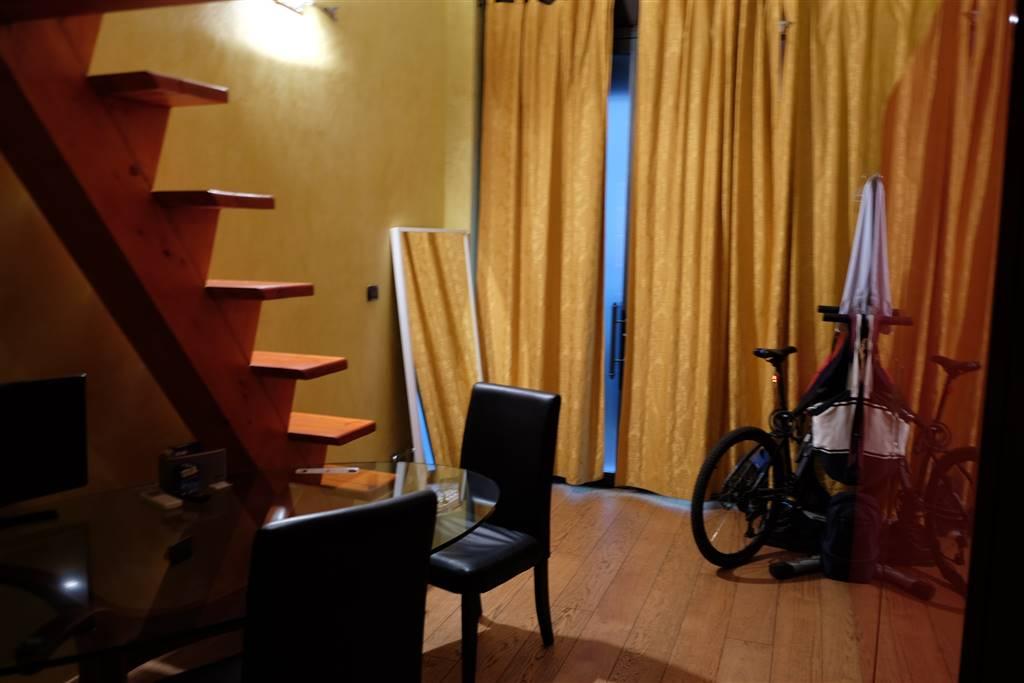 Loft / Openspace in vendita a Milano, 2 locali, zona Località: CORSO ITALIA, MISSORI, prezzo € 250.000 | CambioCasa.it