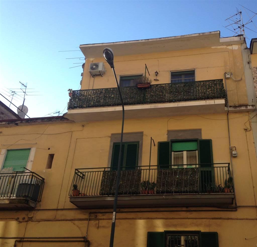 Trilocale, Miano, Napoli, ristrutturato