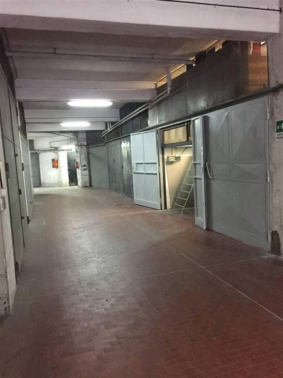 Garage / Posto auto, Arenella, Napoli