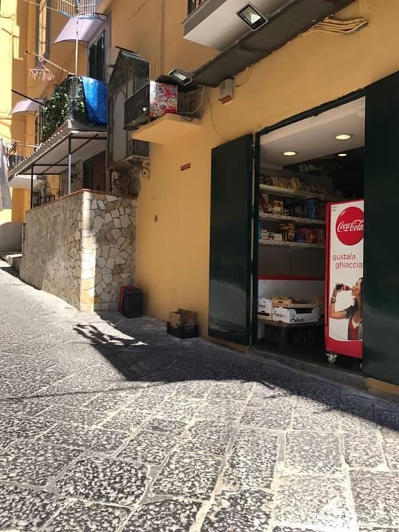Negozi napoli in vendita e in affitto cerco negozio napoli e provincia su - Cerco cucina usata napoli ...