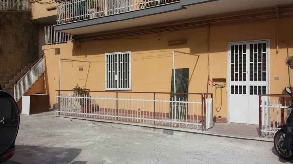 Bilocale in Via San Giacomo Dei Capri, Arenella, Napoli