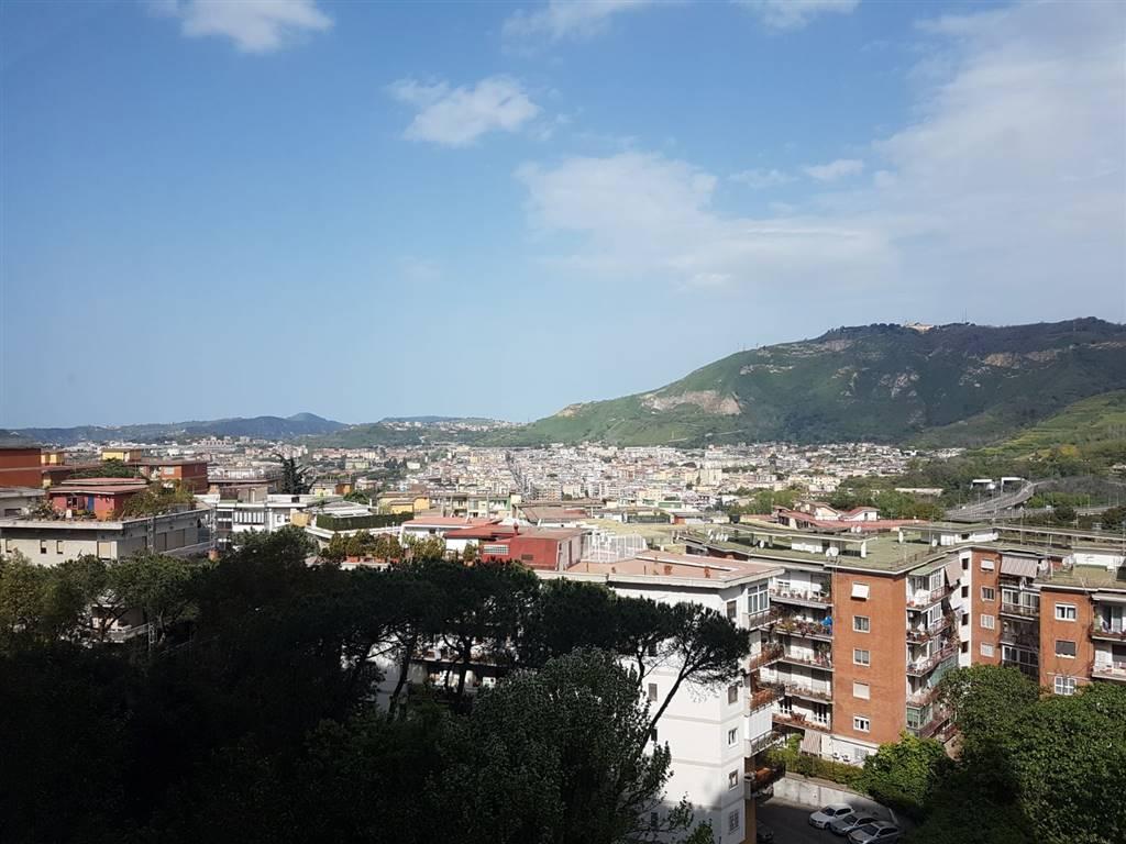 Trilocale in Via Francesco Cilea 250, Vomero, Napoli