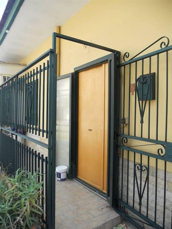 Trilocale in Via Toscanella 39, Chiaiano, Napoli
