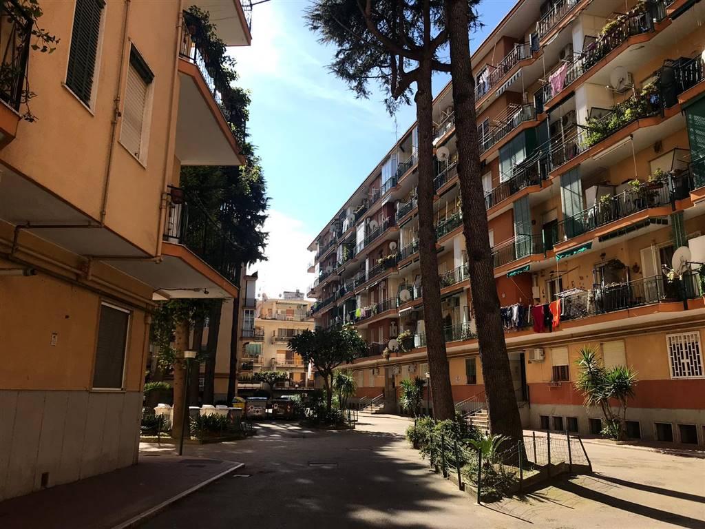 Trilocale in Via Paolo Della Valle  93, Soccavo, Napoli
