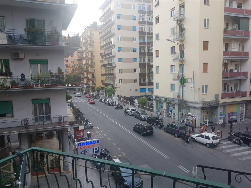 Trilocale, Vomero, Napoli, abitabile
