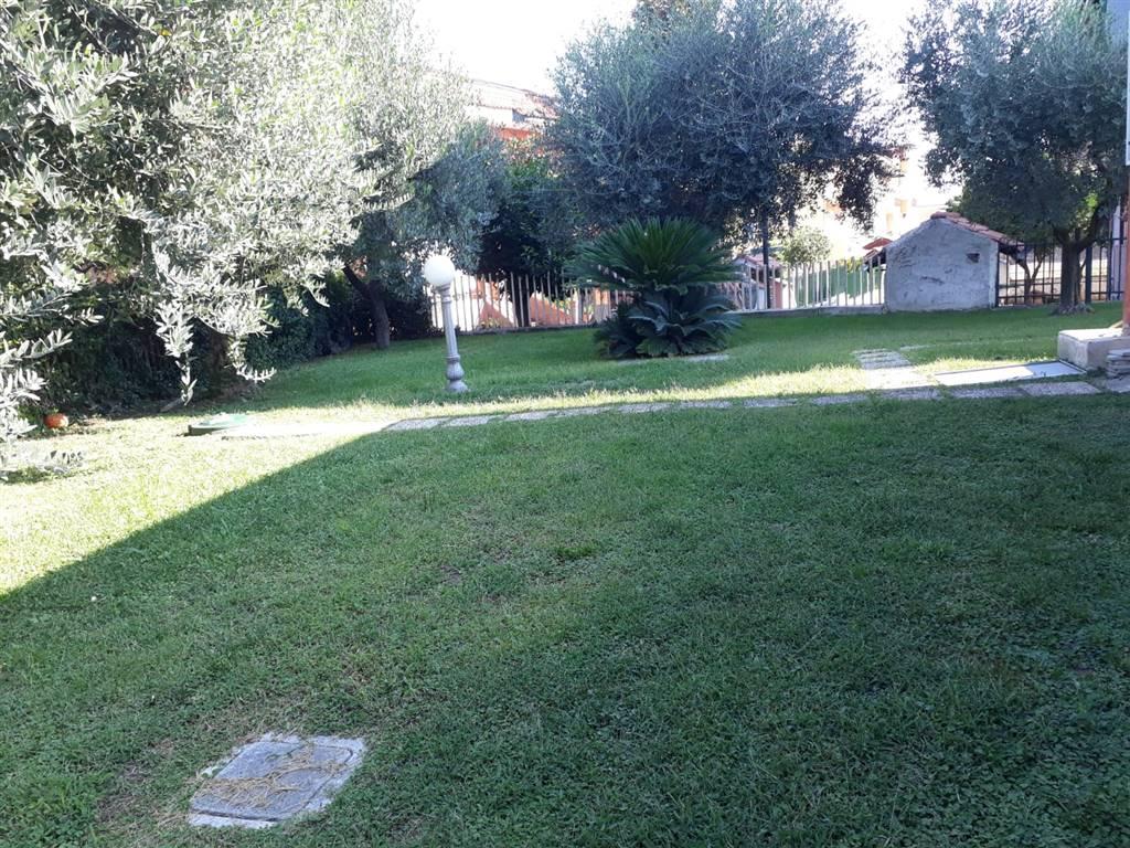 Villa a schiera in Via Benedetto Croce  21, San Rocco, Marano Di Napoli
