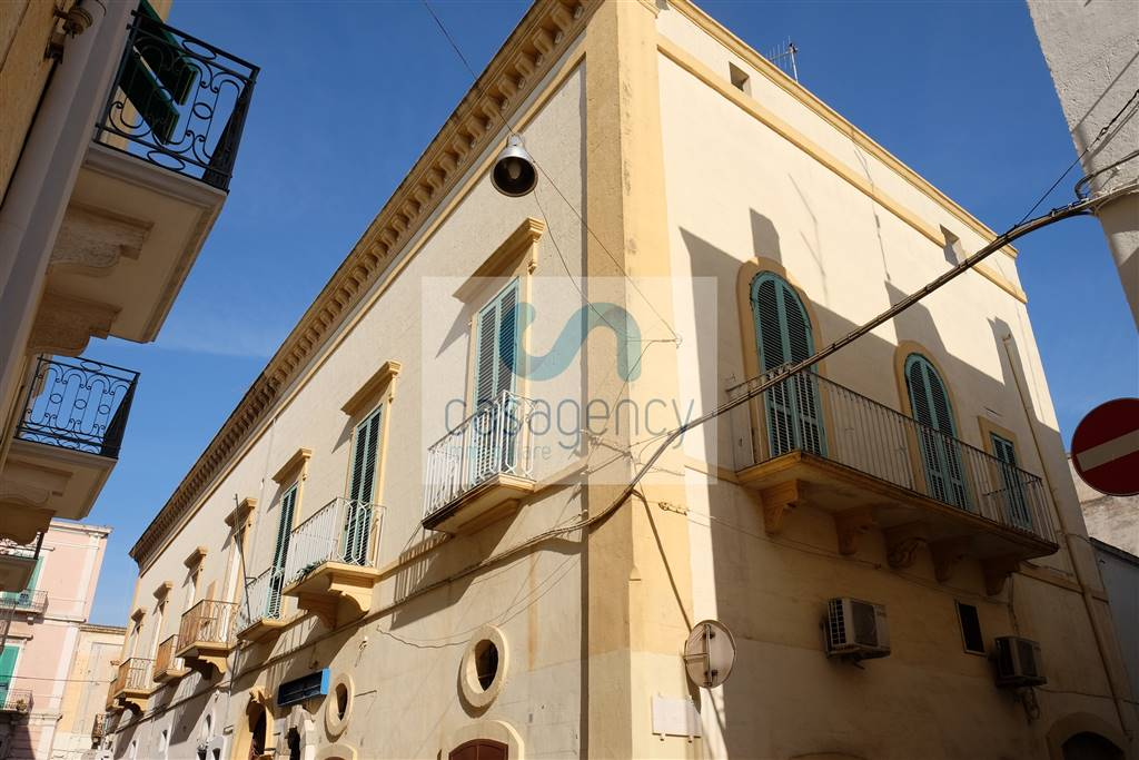 Palazzo in Via De Giosa, Fasano