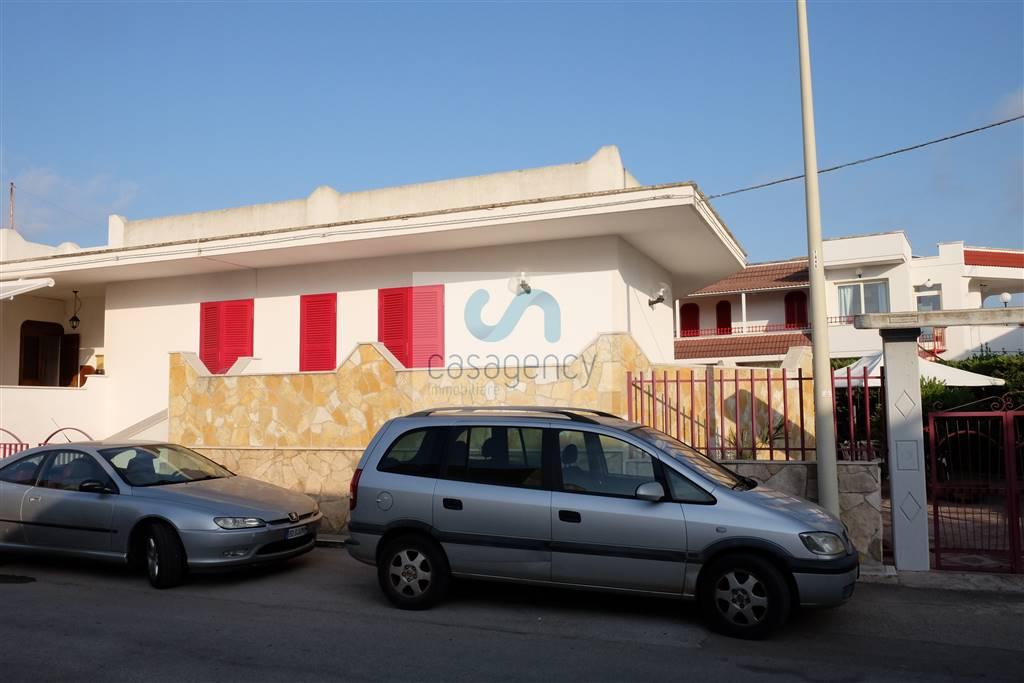 Villa a schiera in Via Maratea, Torre Canne, Fasano