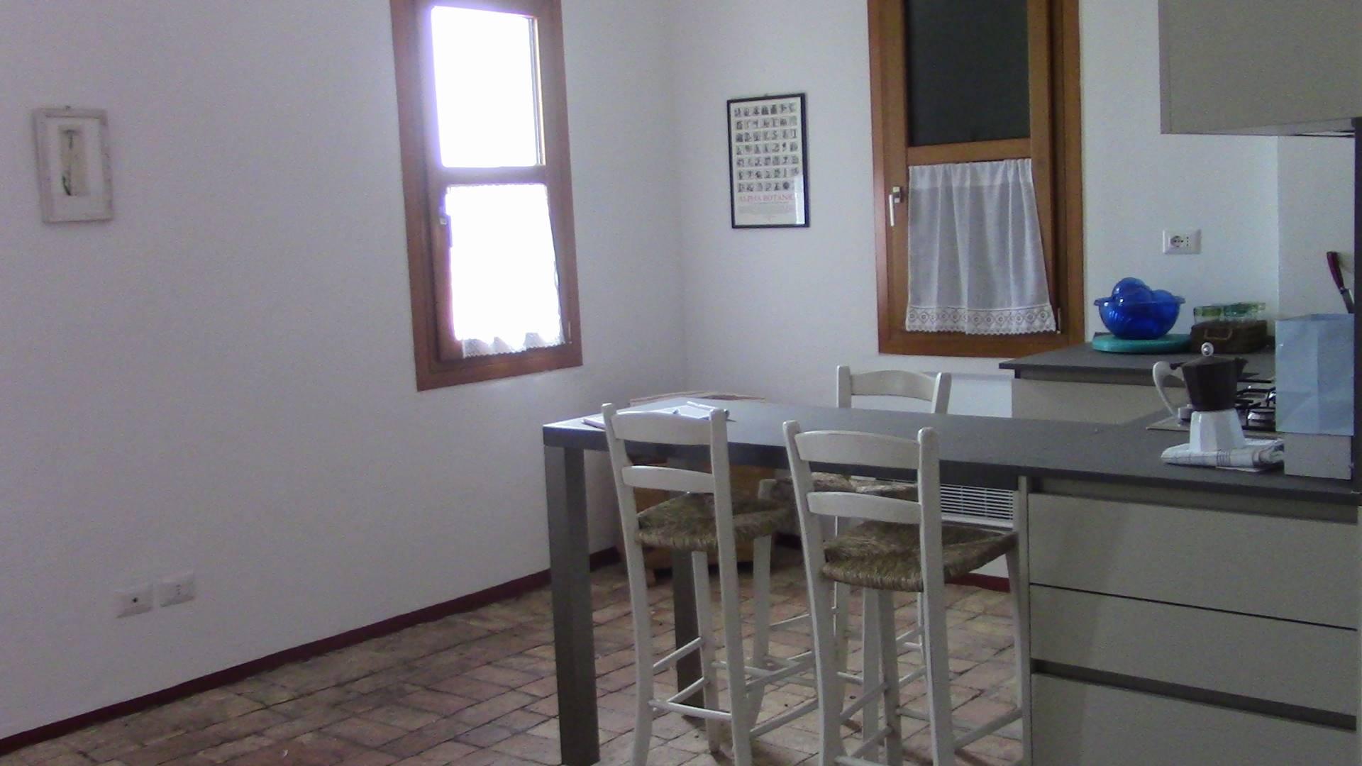 Rustico / Casale in affitto a Quarto d'Altino, 2 locali, zona Zona: Portegrandi, prezzo € 450   CambioCasa.it