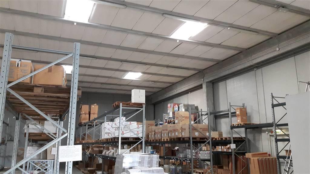 Capannone in vendita a Elmas, 9999 locali, prezzo € 790.000 | CambioCasa.it